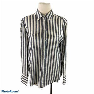 H&M White and Blue Striped Button Down Shirt